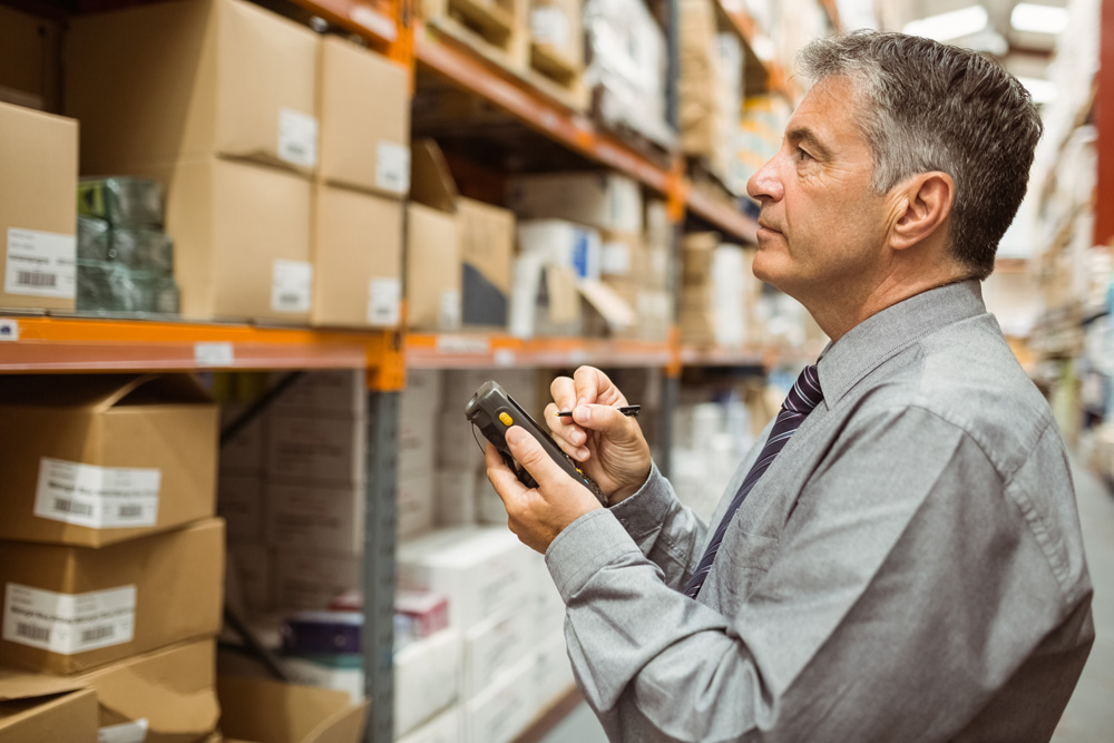 Manager accessing data from warehouse